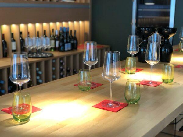 Weindegustation in Vinothek AMBASADORKA