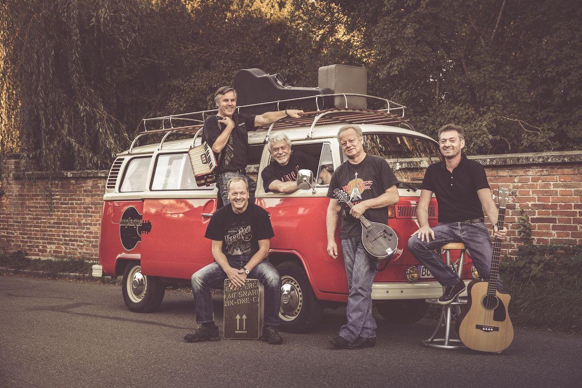 Band UNPLAQUED PROCHECKED auf TOUR im AMBASADORKA